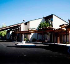 卡利斯费尔布里奇套房及会议中心酒店