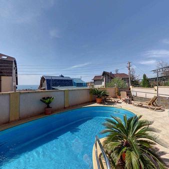 Guest House Aks - 索契 - 游泳池