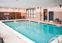 明尼阿波利斯西万豪酒店 - 明尼阿波利斯 - 游泳池