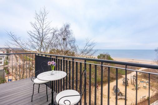 阿尔贝克海滩酒店 - 塞巴特黑灵斯多夫 - 阳台