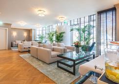 阿尔贝克海滩酒店 - 塞巴特黑灵斯多夫 - 大厅