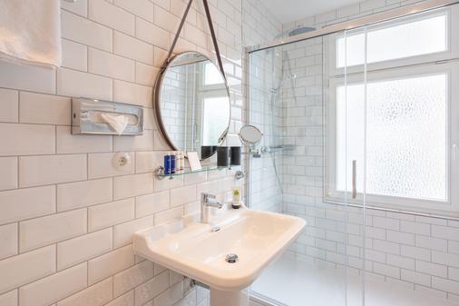 阿尔贝克海滩酒店 - 塞巴特黑灵斯多夫 - 浴室