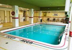 奥克斯瀑布美景酒店 - 尼亚加拉瀑布 - 游泳池