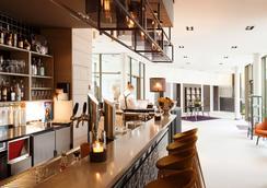 波茨坦生活奥斯纳布吕克酒店 - 奥斯纳布吕克 - 酒吧