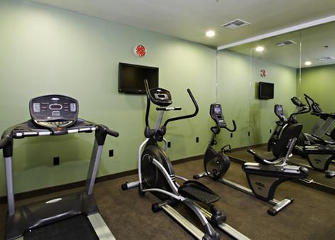 英纳哈波尔市中心司丽普旅馆&套房酒店 - Baltimore - 健身房