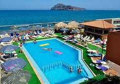 Marika Hotel - 哈尼亚 - 游泳池