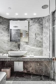 Ovolo中环亚毕诺道2号酒店 - 香港 - 浴室