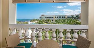 玫瑰堂海滩伊波罗之星酒店&度假村 - 蒙特哥贝 - 阳台