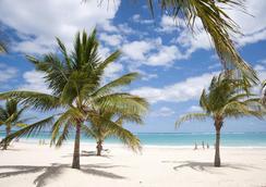 卡里博蓬塔卡纳酒店 - 蓬塔卡纳 - 海滩