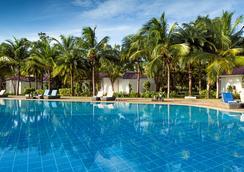 战车海滩度假村 - 马哈巴利普拉姆 - 游泳池