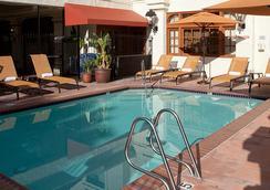 圣地亚哥老城万怡酒店 - 圣地亚哥 - 游泳池