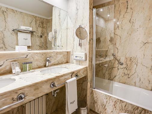 欧洲塞尔科蒂尔酒店 - 圣塞瓦斯蒂安 - 浴室