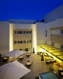 库里森斯考特尔酒店 - 毕尔巴鄂 - 露台