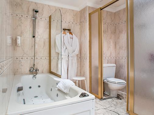 巴伊亚日的维格塞尔科蒂尔公寓酒店 - 维戈 - 浴室