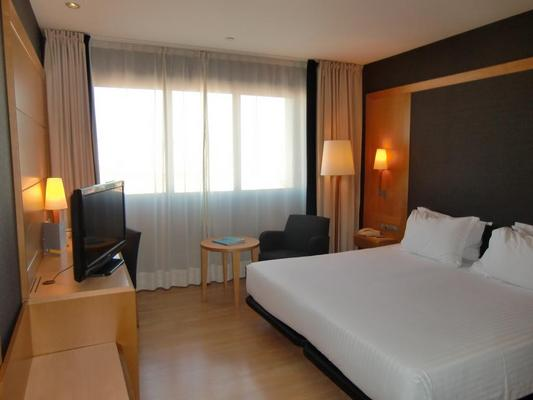 巴塞罗那环球酒店 - 巴塞罗那 - 睡房