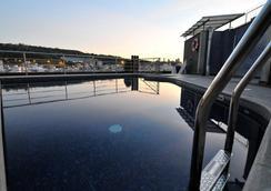 巴塞罗那环球酒店 - 巴塞罗那 - 游泳池