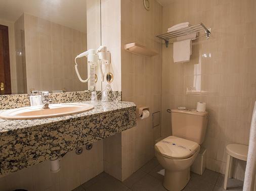 切尔沃勒酒店 - 安道尔城 - 浴室