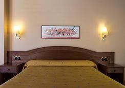 切尔沃勒酒店 - 安道尔城 - 睡房