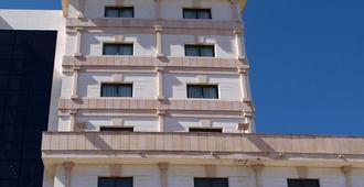 塞尔扣泰尔四柱酒店 - 阿维拉 - 建筑