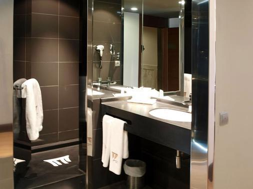 塞尔扣泰尔四柱酒店 - 阿维拉 - 浴室