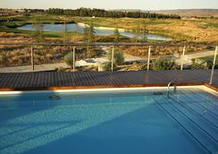 塞尔科泰尔艾西恩高尔夫酒店 - 埃纳雷斯堡 - 游泳池