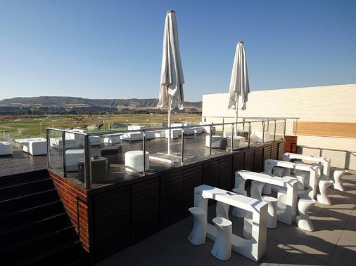 塞尔科泰尔艾西恩高尔夫酒店 - 埃纳雷斯堡 - 阳台