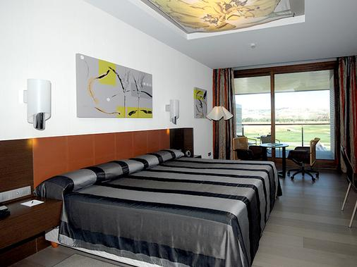 塞尔科泰尔艾西恩高尔夫酒店 - 埃纳雷斯堡 - 睡房