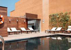 巴塞罗那欧洲公园酒店 - 巴塞罗那 - 游泳池