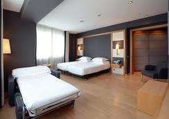 巴塞罗那欧洲公园酒店 - 巴塞罗那 - 睡房