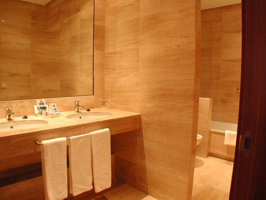 埃斯特雷马杜拉酒店 - 卡塞雷斯 - 浴室