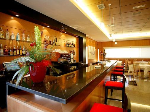 塞尔科蒂尔格兰法玛酒店 - 阿尔梅利亚 - 酒吧