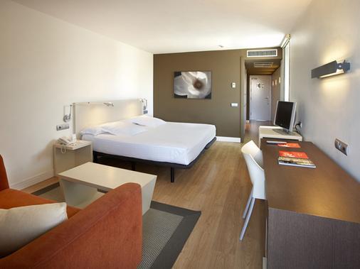 白玉兰酒店 - 仅限成人 - 萨洛 - 睡房