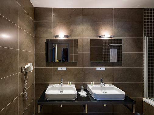 萨拉戈萨广场菲利亚郁金香酒店 - 萨拉戈萨 - 浴室