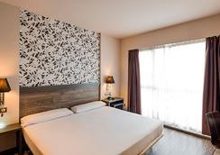 萨拉戈萨广场菲利亚郁金香酒店 - 萨拉戈萨 - 睡房