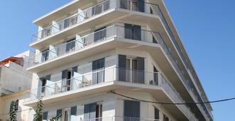 锡切斯市郊酒店 - 锡切斯 - 建筑