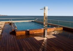斯考特而德尔玛套房酒店 - 阿利坎特 - 游泳池