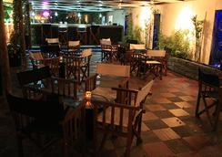 塞尔科蒂尔酒店集团塔马卡海滩度假村酒店 - 圣玛尔塔 - 酒吧