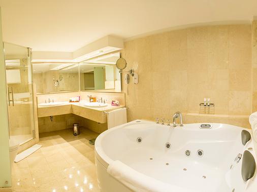 波哥大特昆达玛酒店 - 波哥大 - 浴室