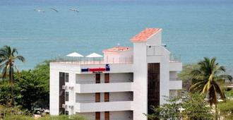 圣玛尔塔特昆达玛旅馆酒店 - 圣玛尔塔