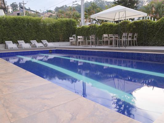 摩根娜波夫拉多套房酒店 - 麦德林 - 游泳池