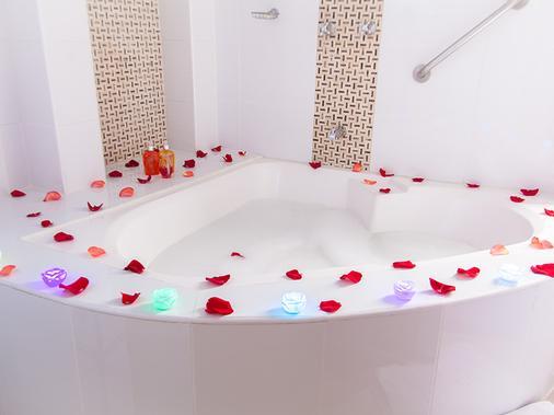 托雷卡利广场酒店 - 卡利 - 浴室