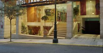 三盏灯斯考特而酒店 - 维戈 - 建筑