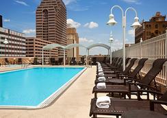 温德姆圣安东尼奥河滨步道酒店 - 圣安东尼奥 - 游泳池