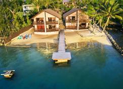 法图马鲁小屋酒店 - 维拉港 - 海滩