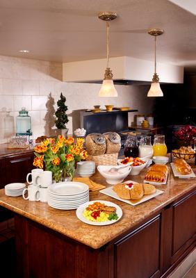 科罗纳东艾尔斯酒店 - 科罗娜 - 食物