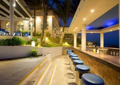 金帕那索斯温泉度假酒店 - 坎昆 - 酒吧