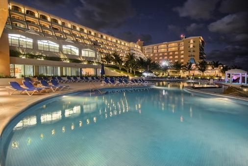 金帕那索斯温泉度假酒店 - 坎昆 - 游泳池