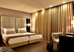 特里姆阿拉大道利贝尔达迪酒店 - 里斯本 - 睡房