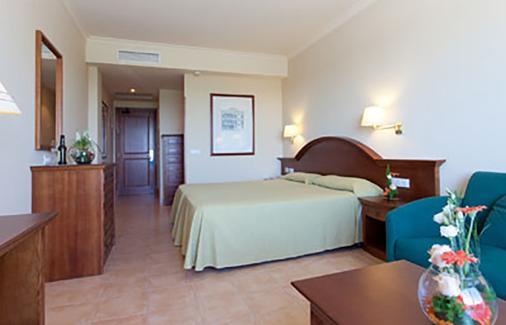 瓦伦丁桑克蒂佩特里会议中心温泉酒店 - 奇克拉纳-德拉弗龙特拉 - 睡房