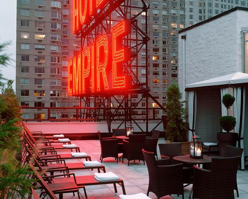 纽约帝国酒店 - 纽约 - 阳台